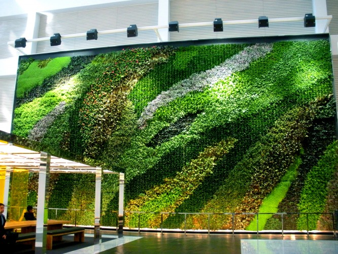 Charming NYCu0027s Largest Interior Living Wall